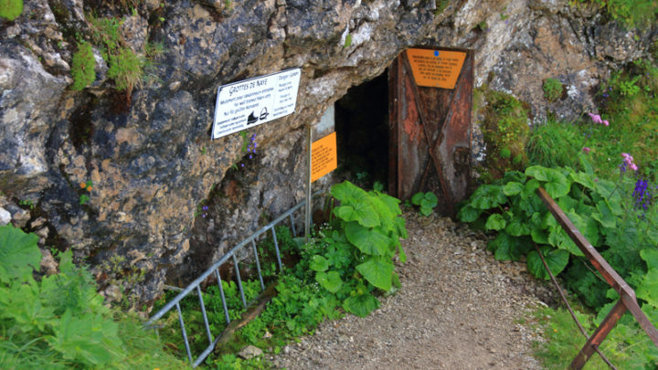Les grottes de Naye