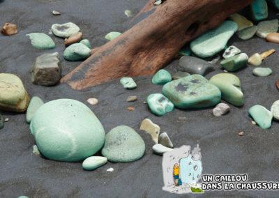 Galerie d'images - La plage de galets bleus, Flores